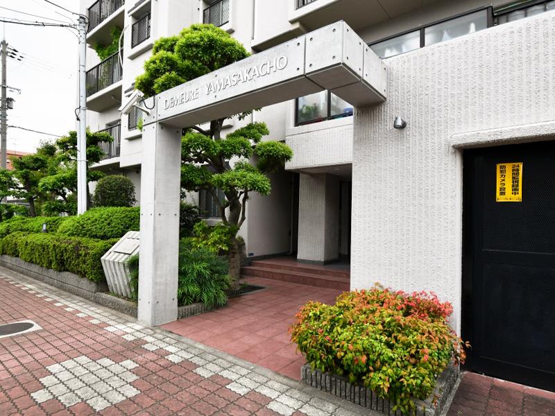 ドムール山坂町-607号